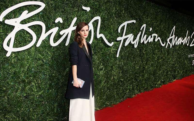 2015-british-fashion-awards-sahiplerini-buldu-podyumda