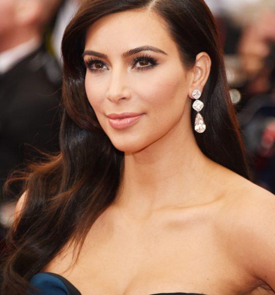 """Kim Kardashian'ın Gençlik Formülü  """"Vampire Facelift®"""" Türkiye'de"""