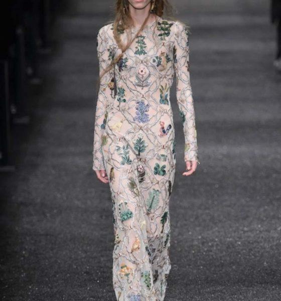 Paris Moda Haftası: Alexander McQueen Sonbahar 2017 Defilesi